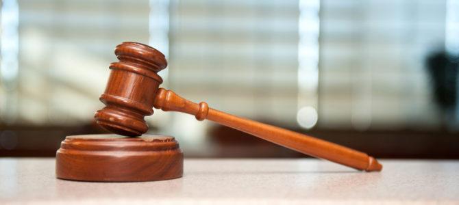 Prodám nepotřebné soudcovské nářadí